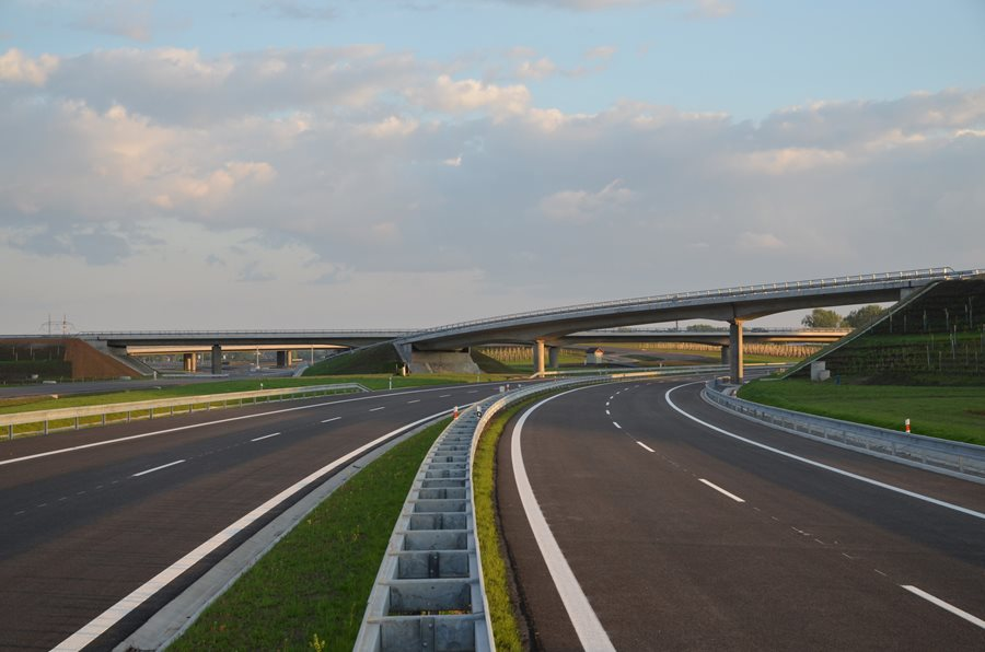 Transport got already CZK 150 billion from EU funds for new motorways and railway reconstructions