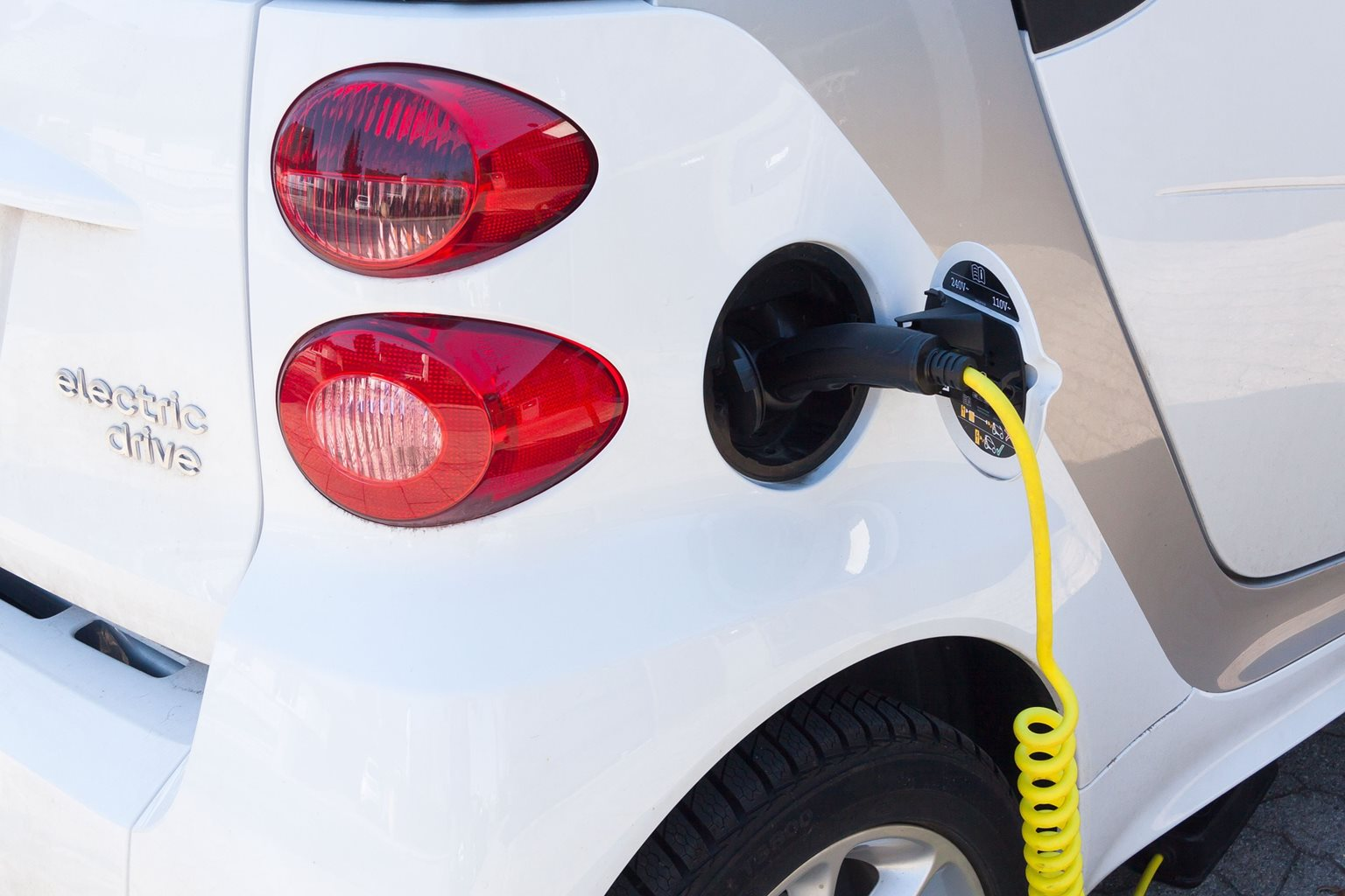 The Ministry of Transport opens another call targeting the construction of recharging stations