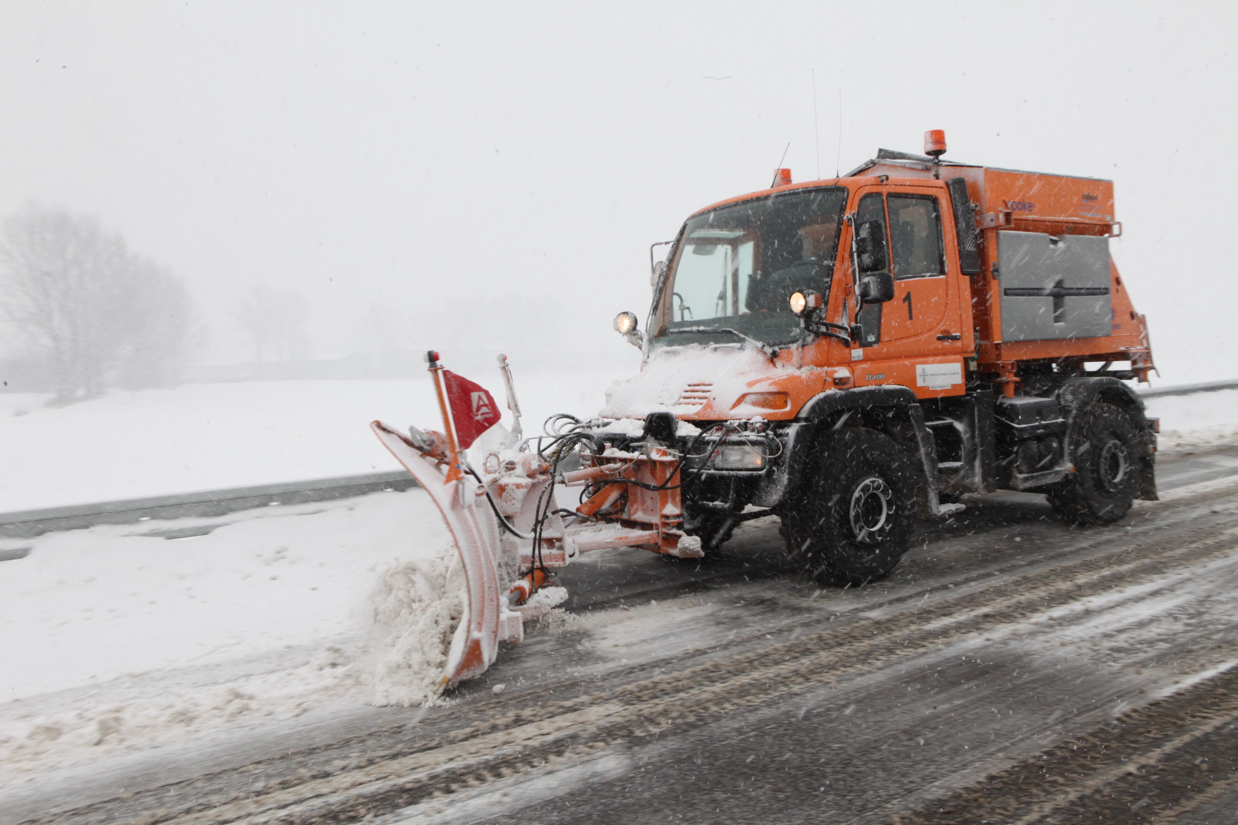 Road maintenance units are ready for the winter, 760 people will ensure that road are passable