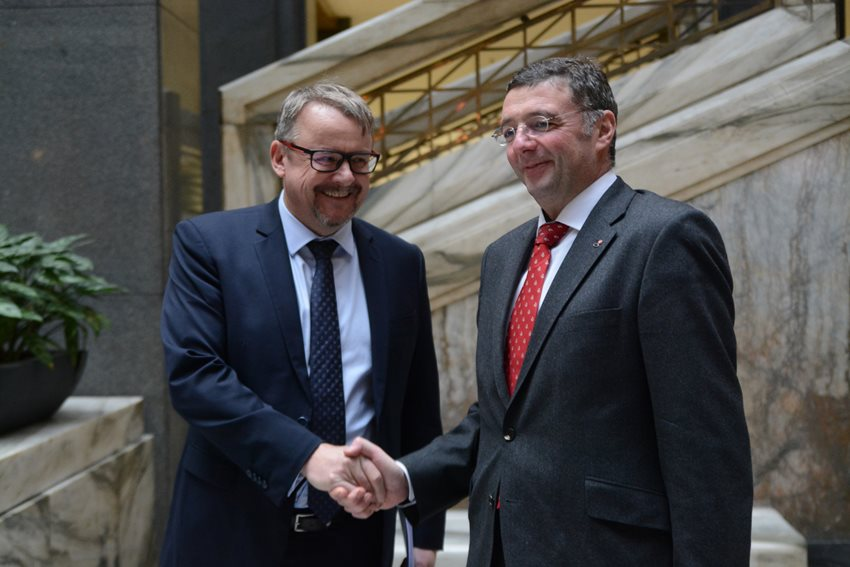 Minister Ťok with his Austrian counterpart Leichtfried signed an agreement on the connection between