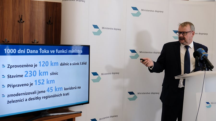 1000 days of Dan Ťok: Construction of 230 km of new roads, repair of dozens of railway stations