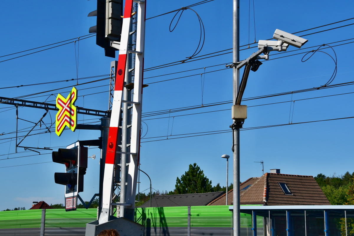 Starting from mid-May, intelligent cameras on railway crossings will be put into operation