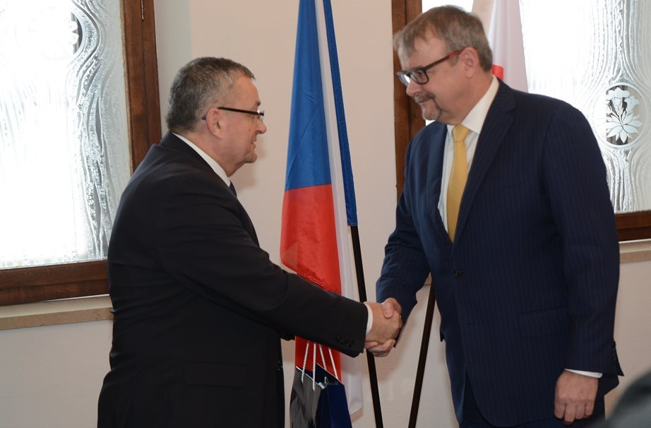 Construction of a motorway connection between the Czech Republic and Poland continues, the ministers